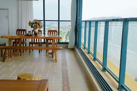 惠州万科双月湾超级无敌海景两房酒店 - 惠州市