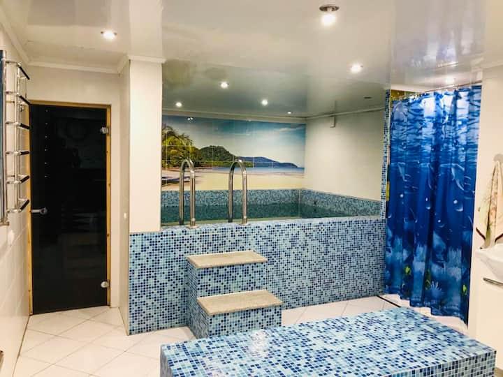 Шикарный дом с бассейном