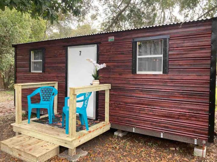 Wonderful entire cabin brand new in Jacksonville
