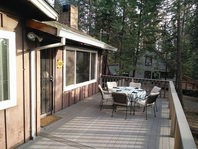 Spacious Cabin - Fully equipped - WiFi included! - Mi-Wuk Village - 小木屋