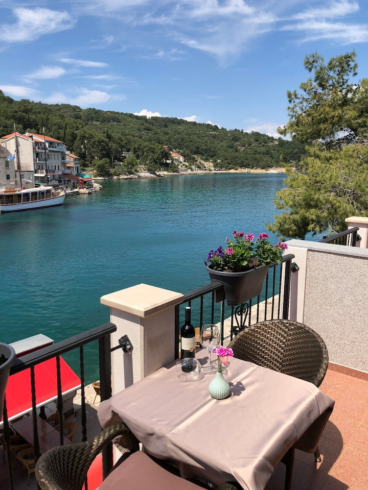Seafront apartment in city centre