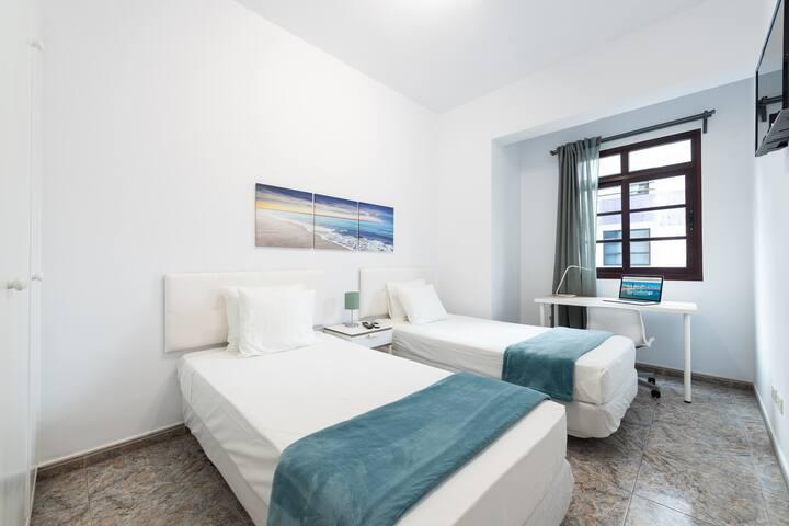 CoolivingC - Habitación dos camas baño compartido