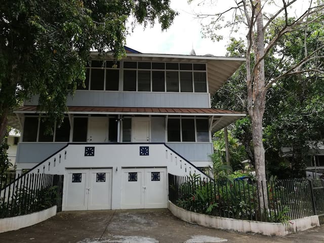 Complete House in Gamboa, next to Panama Canal.
