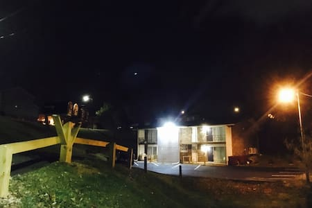 Quiet, Centrally Loc, Comfy Apt., The Kirby #1 - Johnson City