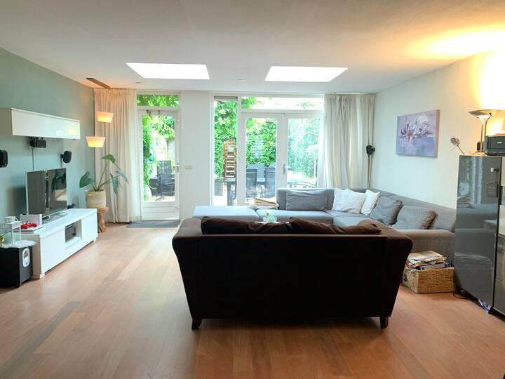 Ruim, modern huis op de Veluwe, bij bos en strand