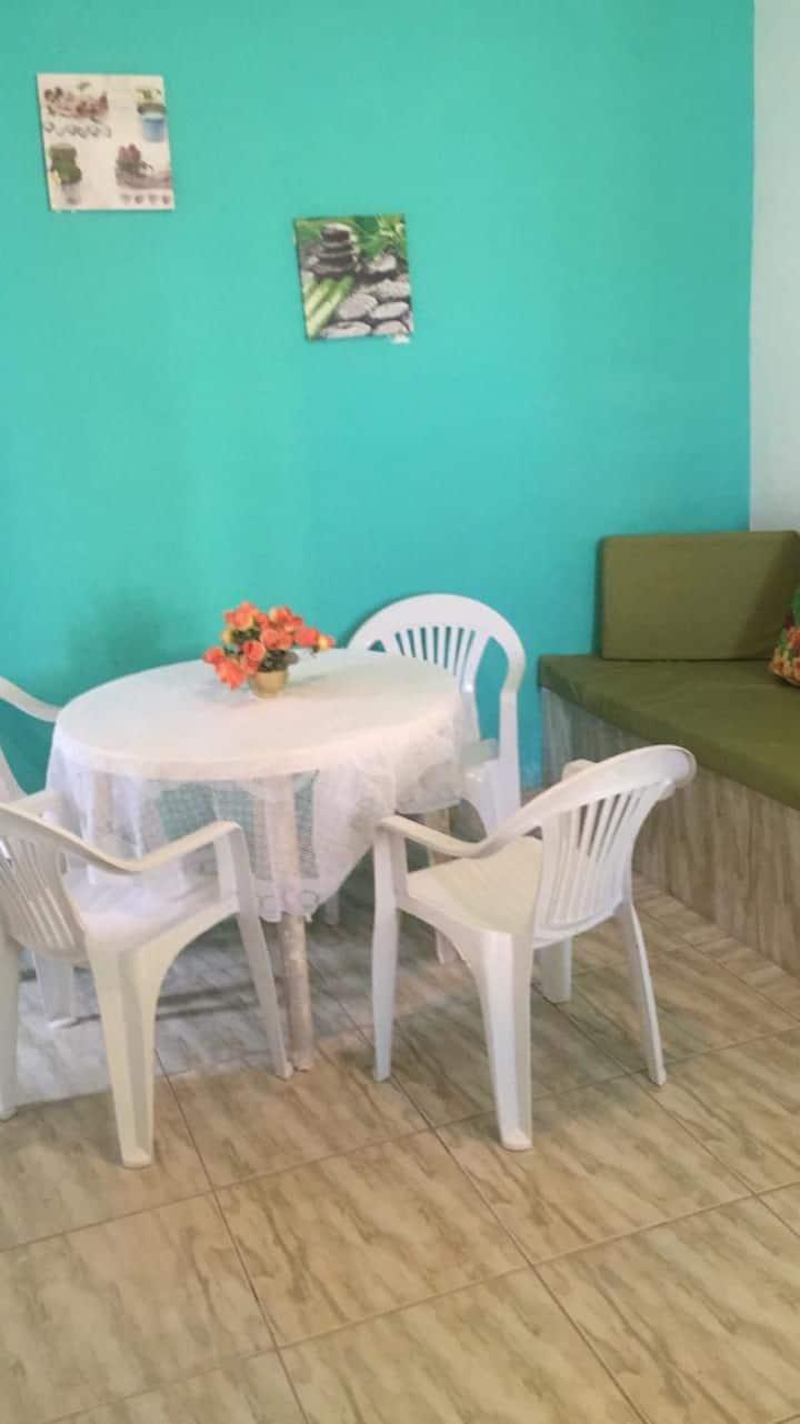 Casa com churrasqueira perto da praia do peró