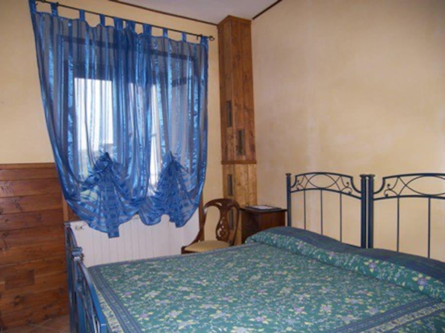 Camera da letto matrimoniale o a 2 letti singoli.  All'occorrenza singola.