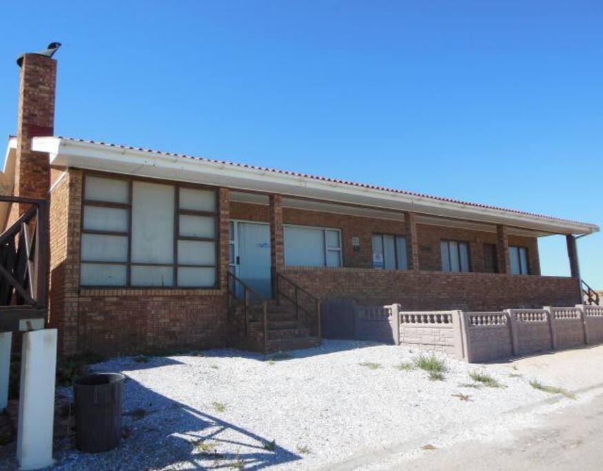 Die strandhuis/The beach house