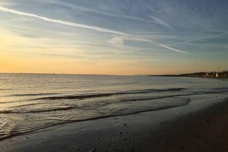 Camera accogliente e tranquilla -300mt spiaggia-