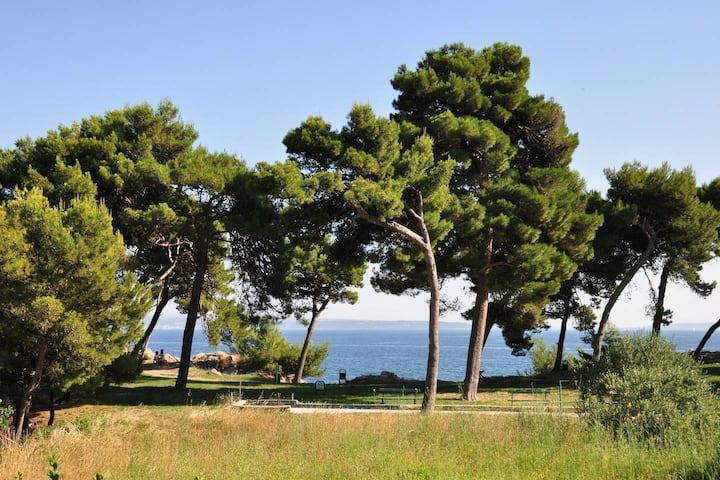Beautiful sea views - right by Bacvice beach!