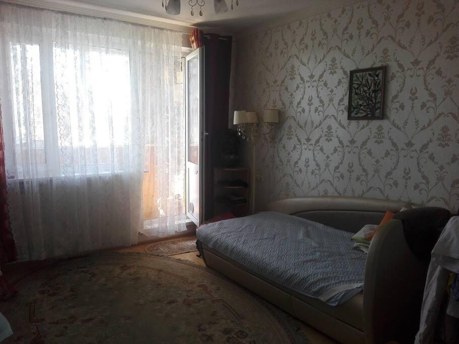 Спальня 1 с балконом