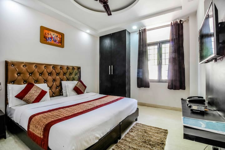 Airbnb Roomin Gurgaon close.to Metro Station