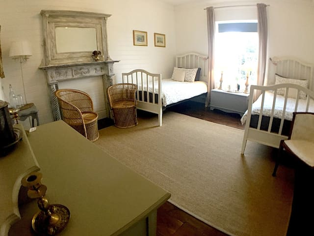 Castle Hill House B&B - Twin Room