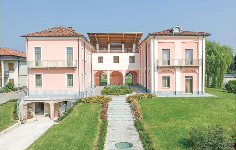 Holiday apartment with 2 bedrooms on 110m² in Asti