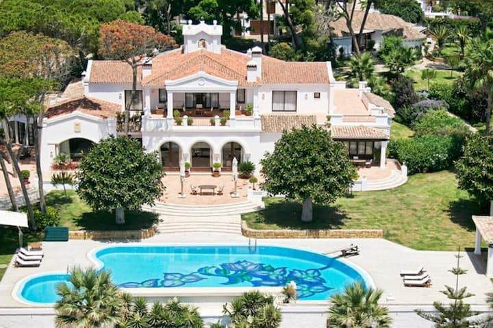 Grandiose Glorious Villa with Heated Outdoor Pool