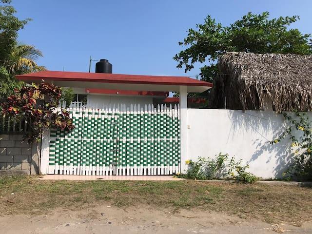 Hermosa casa para descansar a 200 m de la playa