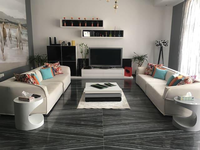 A unique designer flat - Gedda - Appartamento