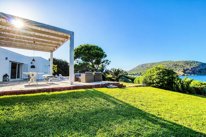 Summer Villa in Porto Rafti