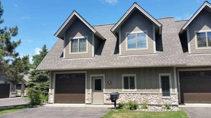 Interlachen Town Home-Gull Lake-Brainerd-Nisswa,MN