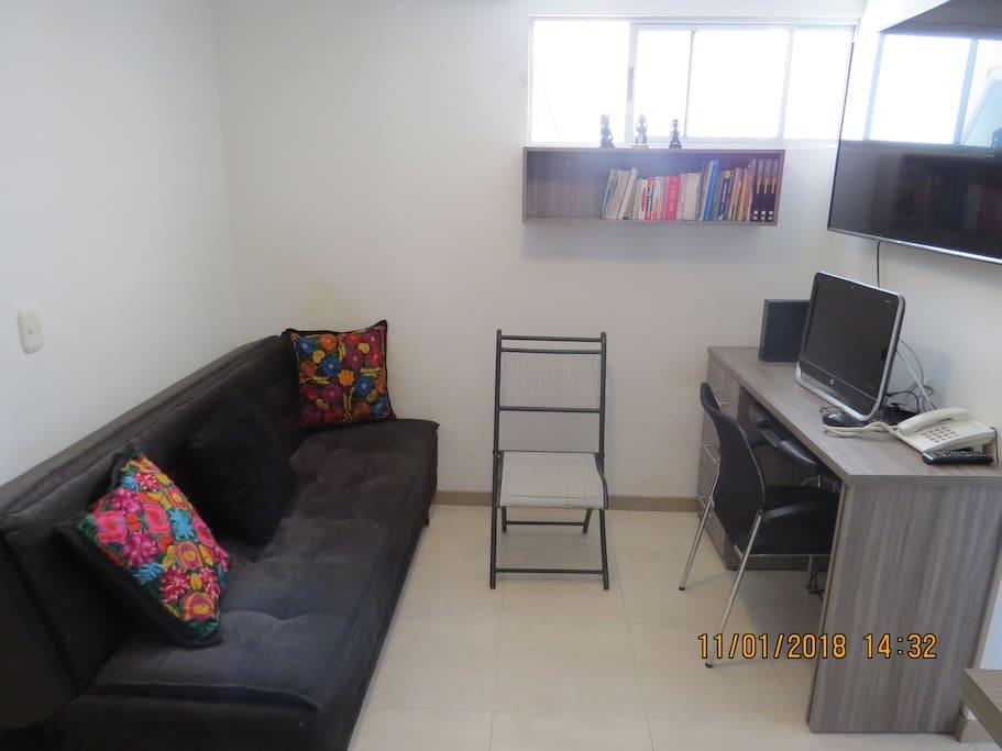 Sala de Tv Con internet, computador y sofacama disponibles