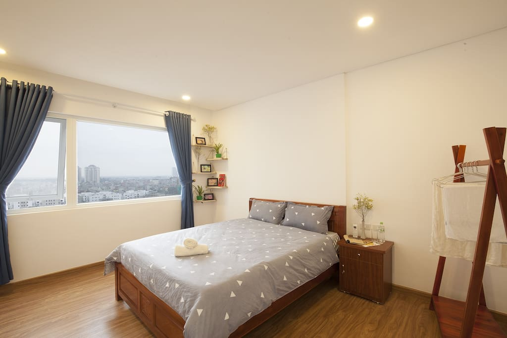 Master room with city view