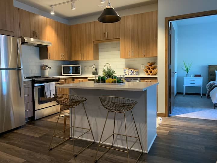 129 Urban Oasis in Shoreview 1bd/1ba Home