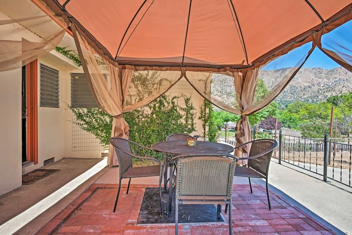 Quaint Kernville Home w/Gazebo - Walk to Downtown!
