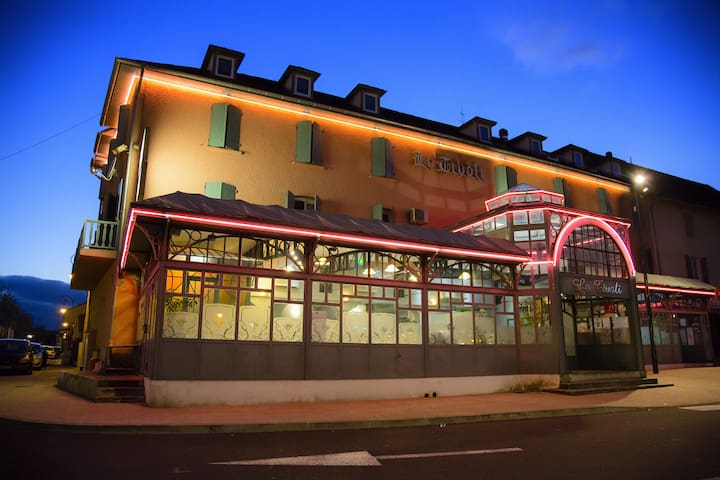 Hôtel le Tivoli - Vic-en-Bigorre