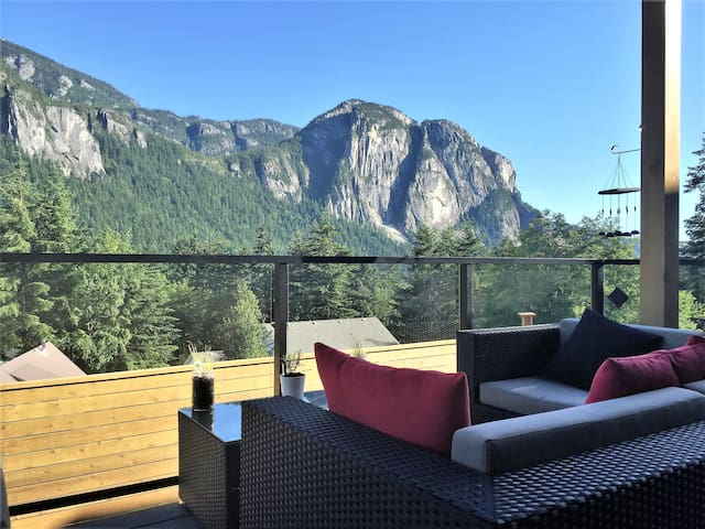 Squamish Bike Bed Breakfast - สวคามิช