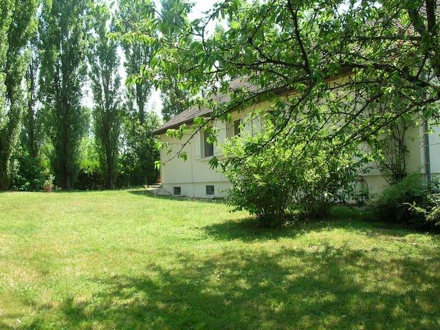 Maison avec piscine - Bourbon-l'Archambault - Casa