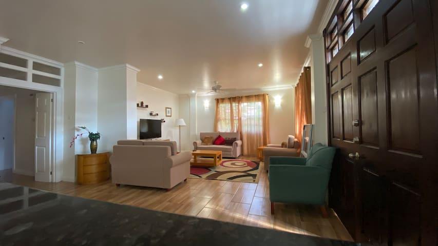 3 Bedroom Apartment with Resort Amenities