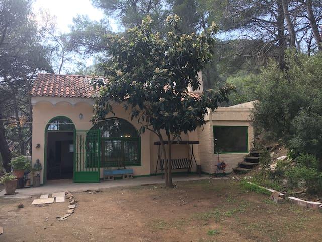 Habitación para 4 cerca a Monserrat - El Castell de Cabrera