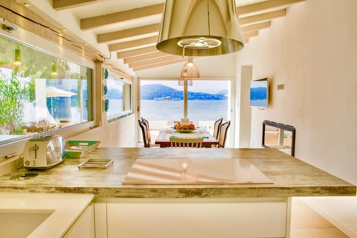 Villa Pieds dans l'eau con spiaggia privata -
