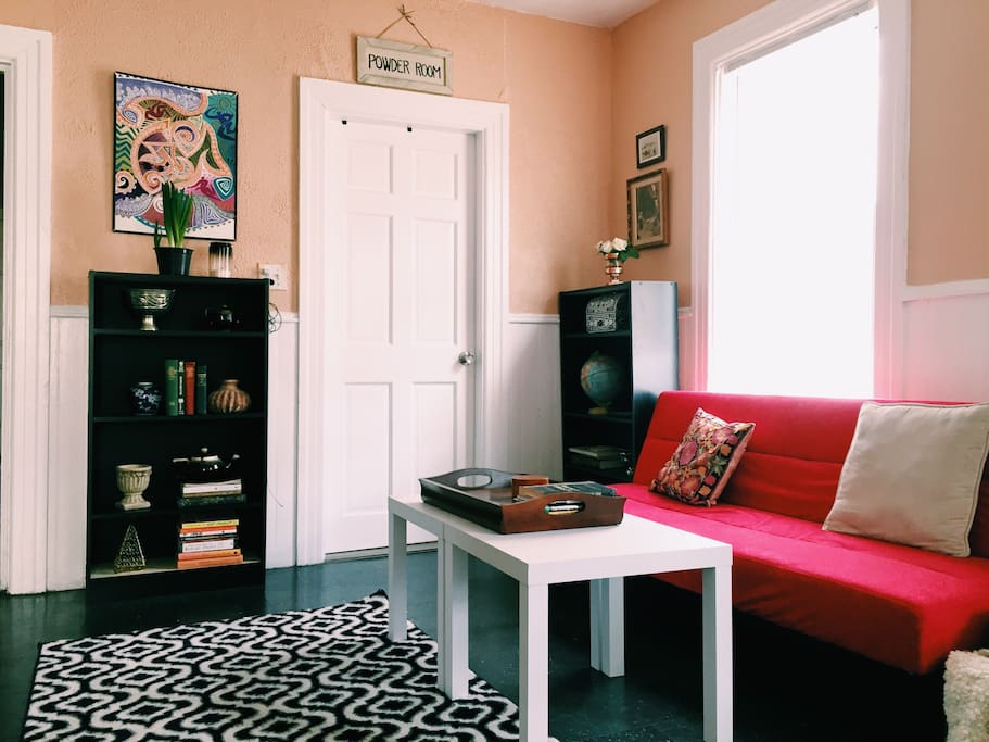 Charming Bedroom In Little Italy Apartments For Rent In Providence Rhode Island United States