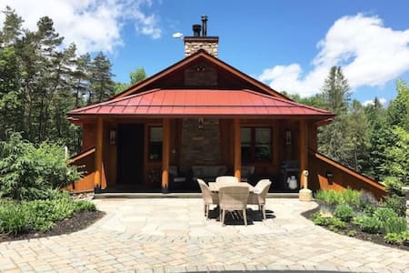 PARRY'S CABIN GORGEOUS W/ ACCESS TO HINCKLEY LAKE