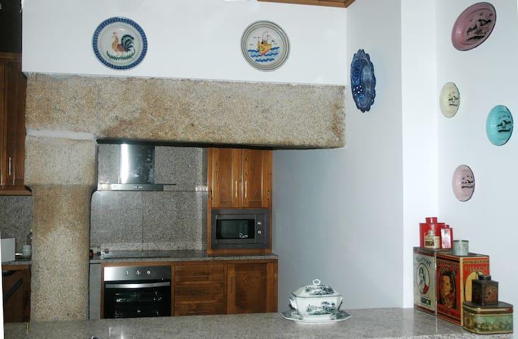 Casa dos Lagares de Vara e Pedra (casa principal) - Vila Flor - Cottage