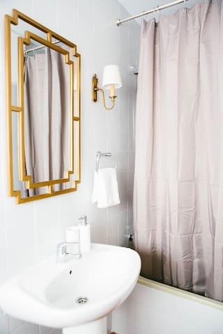Bathroom top floor suite