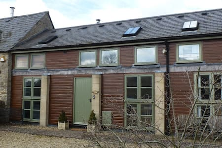 The Stables, Lower Mill Estate - Somerford Keynes - Hus