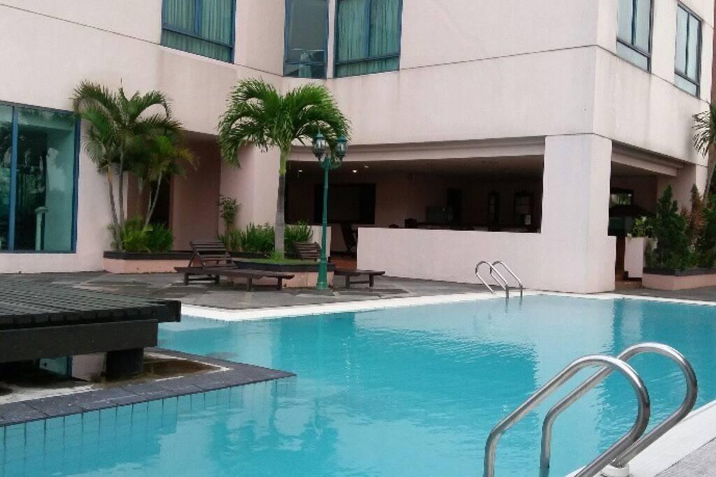 ibis Apt Swim Pool Level 6