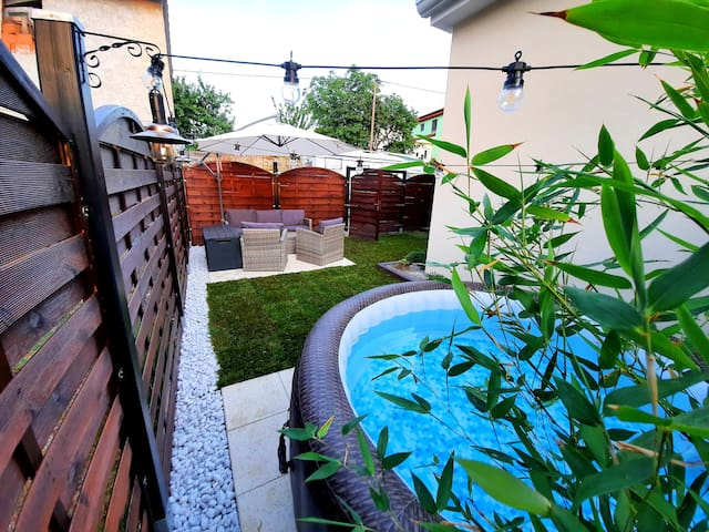 Guesthouse NOSTALGIA with jacuzzi, shower and BBQ