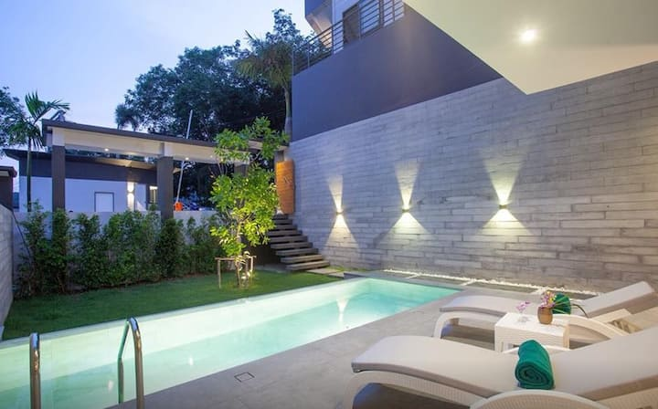 Pool Villa by Jira