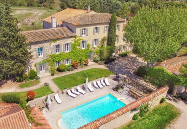 Ferme du Val, heated pool - 20 mins to Aix en P