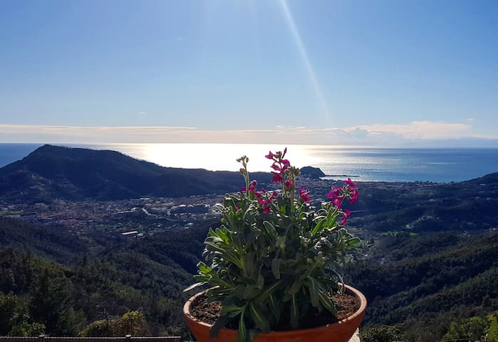"""Oleanders' House"", Sea View, near Cinque Terre"