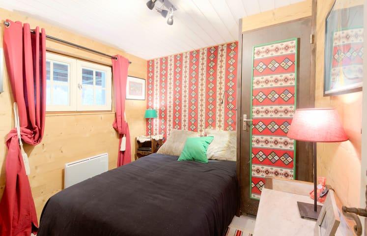 Chambre 3 lit de 140, charme rustique