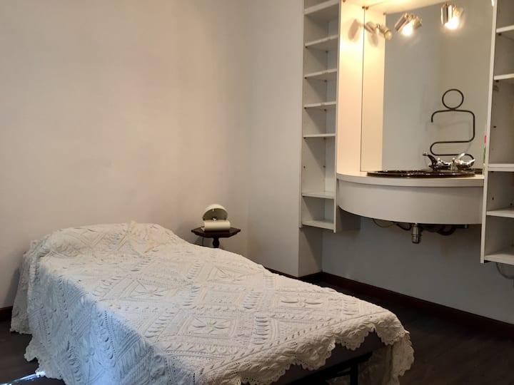 Chambre single dans le plus beau quartier d'Ancona