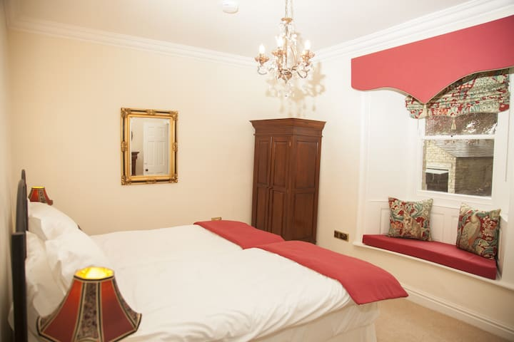Bedroom 1 (this room has an en suite) and can be made up as a large double or twin single room