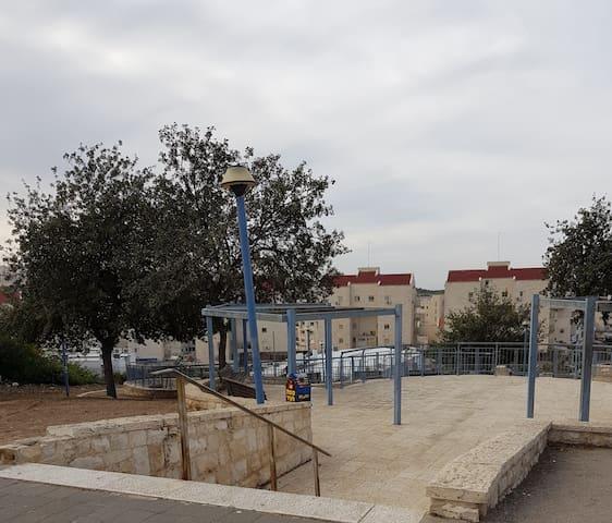 Lachish entrance to Ayalon Park (1-minute)