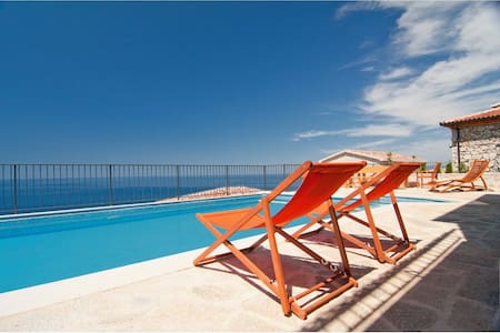 Villa Gold with pool & sea view, 8 persons - Kaluđerac
