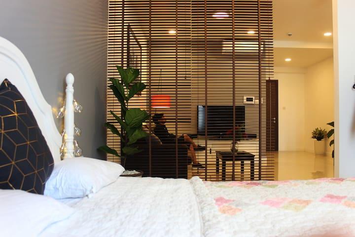 Nice&Quiet 1BR Apart-5stars condo-Gym-Rooftop pool