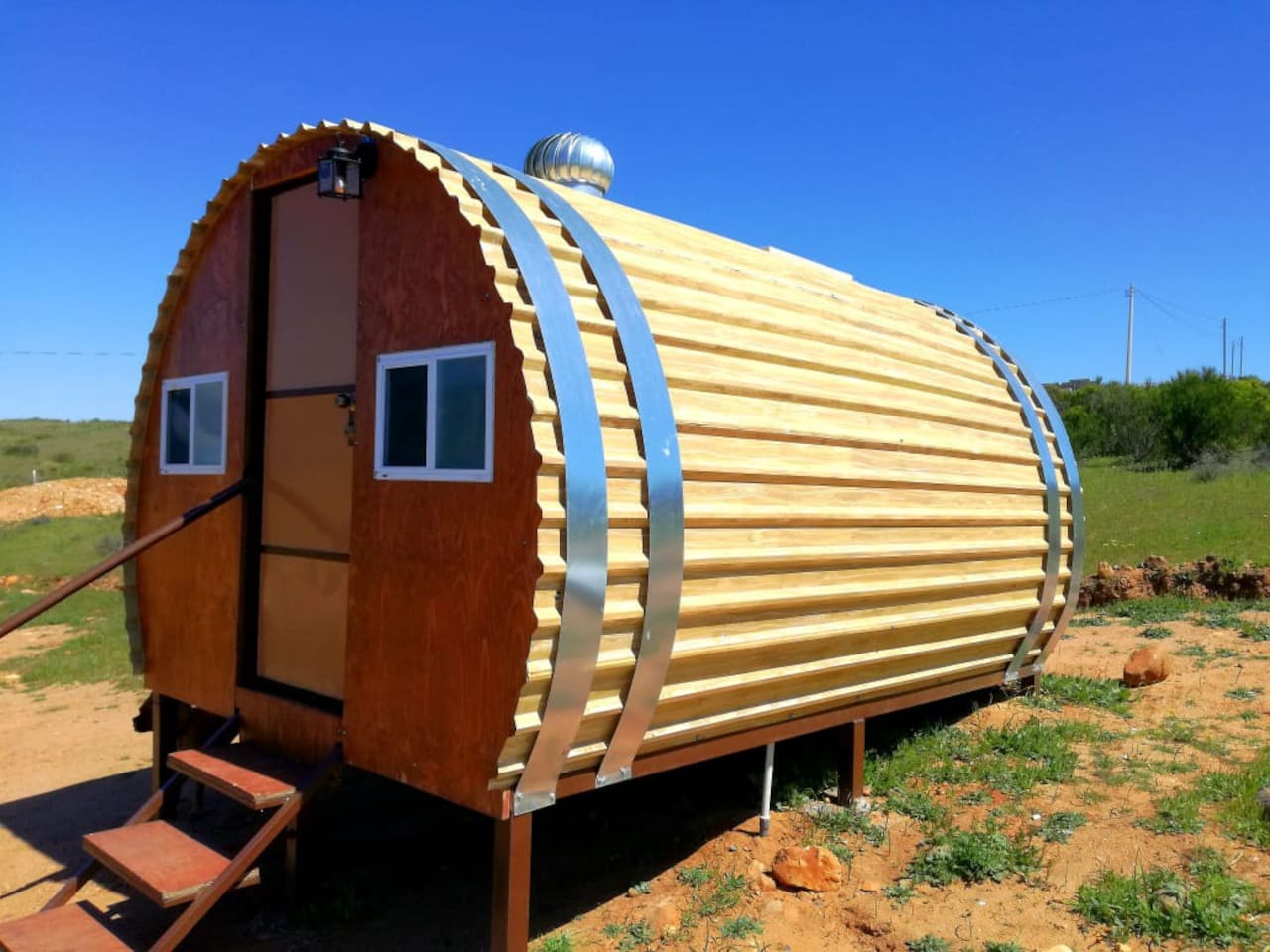 El Valle de Guadalupe is world-famous for its wineries and culinary experiences. El Valle RV Park now offers you the opportunity to stay in our Wine Barrel Pods conveniently located in the heart of Mexican Wine Country.